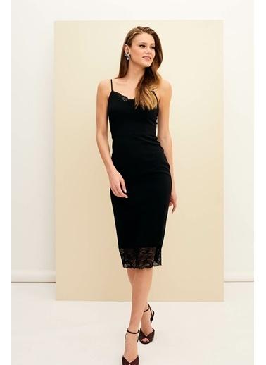 DeFacto Askılı Dantel Detaylı Gece Elbisesi Siyah